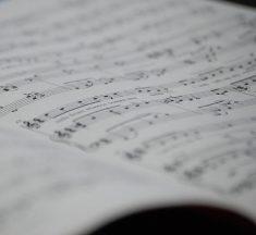 Hukum Terapi dengan Musik (02)